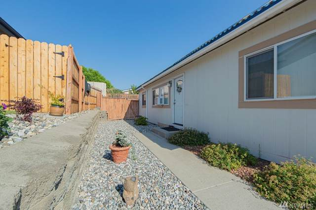 555 Morning View Ave, East Wenatchee, WA 98802 (#1501516) :: Northern Key Team