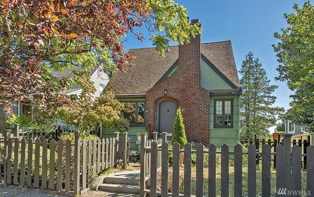 5926 34th Ave SW, Seattle, WA 98126 (#1510762) :: The Kendra Todd Group at Keller Williams