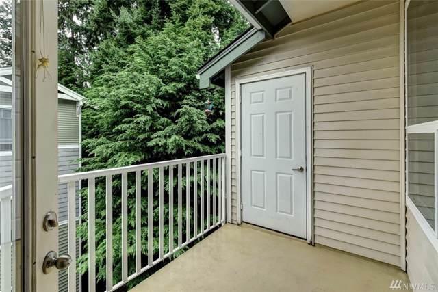 12530 Admiralty Way E-304, Everett, WA 98204 (#1517509) :: Ben Kinney Real Estate Team