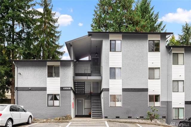 12019 100th Ave NE 2A, Kirkland, WA 98034 (#1532178) :: Real Estate Solutions Group