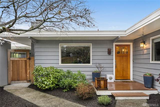 1065 149th Place SE, Bellevue, WA 98007 (#1557345) :: The Royston Team