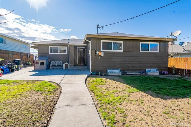 1122 S Baker St, Moses Lake, WA 98837 (#1589570) :: Hauer Home Team