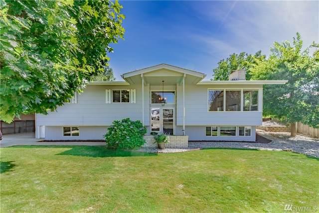 1104 2nd St SE, East Wenatchee, WA 98802 (MLS #1643947) :: Nick McLean Real Estate Group