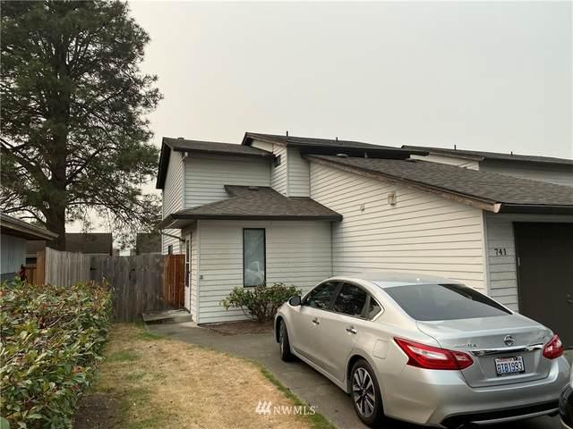 741 F Street NE, Auburn, WA 98002 (#1658825) :: Ben Kinney Real Estate Team