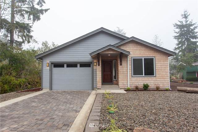 30900 M Place, Ocean Park, WA 98640 (#1668665) :: The Robinett Group