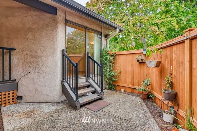 19323 15th Avenue NW #1, Shoreline, WA 98177 (#1674320) :: Ben Kinney Real Estate Team