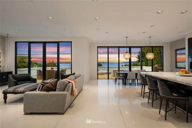 4750 54th Avenue SW, Seattle, WA 98116 (#1679546) :: Lucas Pinto Real Estate Group