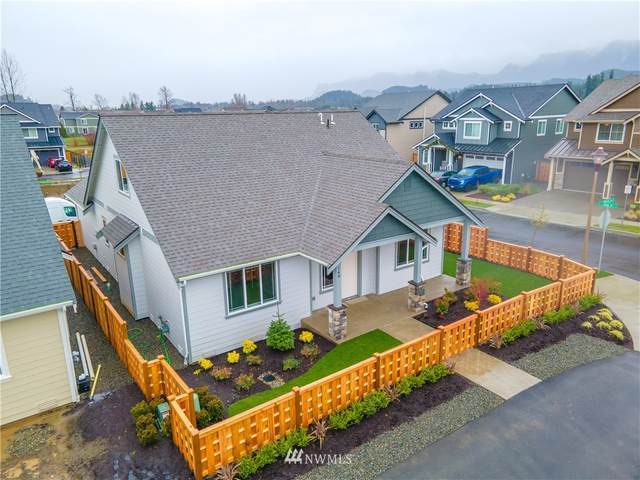 126 Love Drive, Enumclaw, WA 98022 (MLS #1712125) :: Community Real Estate Group