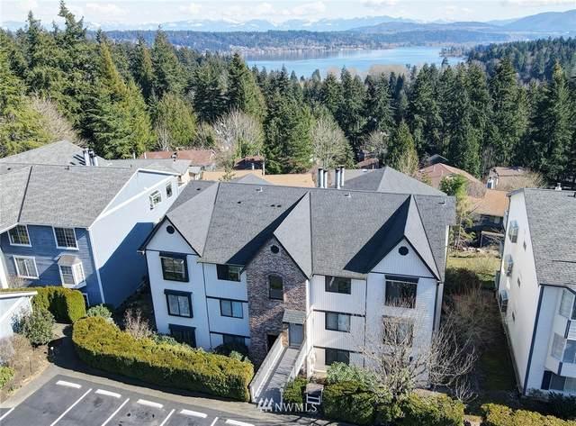 3410 161st Court SE #32, Bellevue, WA 98008 (#1739548) :: Shook Home Group