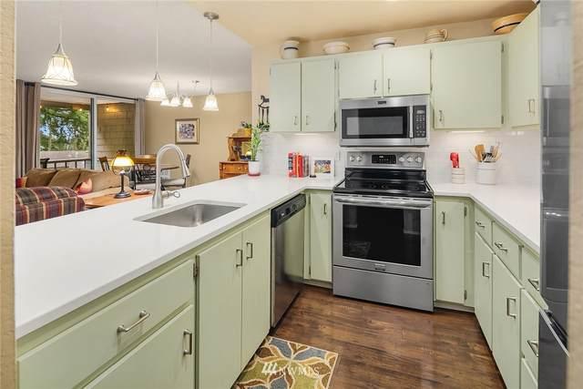 6355 137th Avenue NE #294, Redmond, WA 98052 (#1748073) :: Ben Kinney Real Estate Team