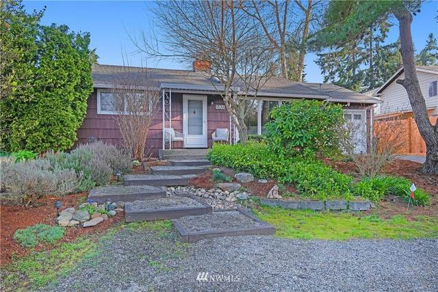 1536 N 121st Street, Seattle, WA 98133 (#1753730) :: Shook Home Group