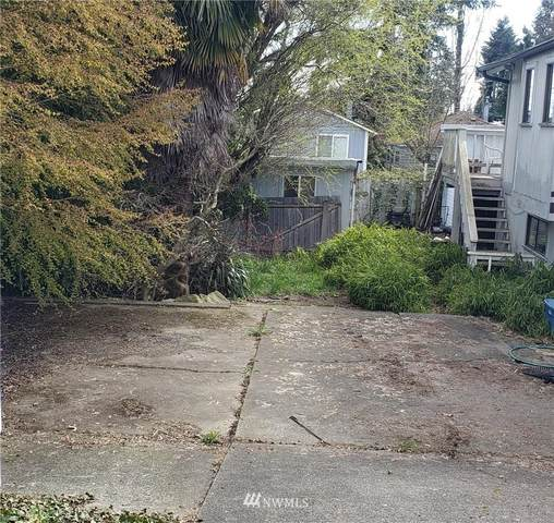 907 N 102nd Street, Seattle, WA 98133 (#1755224) :: Shook Home Group