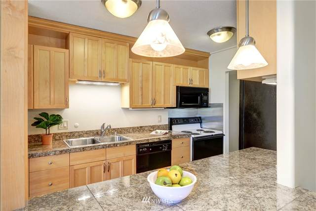 4540 8th Avenue NE #602, Seattle, WA 98105 (#1779045) :: Better Properties Real Estate