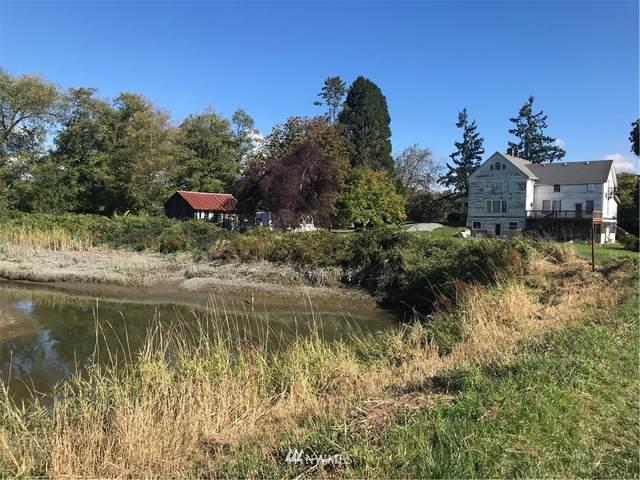 26206 Marine Drive, Stanwood, WA 98292 (#1851092) :: Neighborhood Real Estate Group