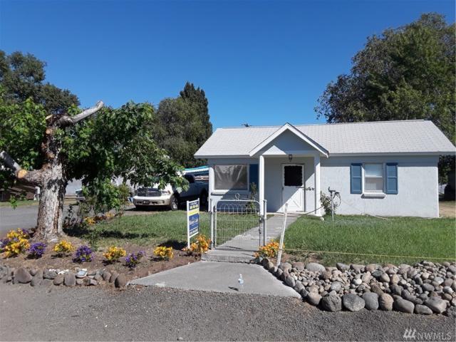 261 Ephrata Ave NW, Soap Lake, WA 98851 (#1310980) :: Real Estate Solutions Group