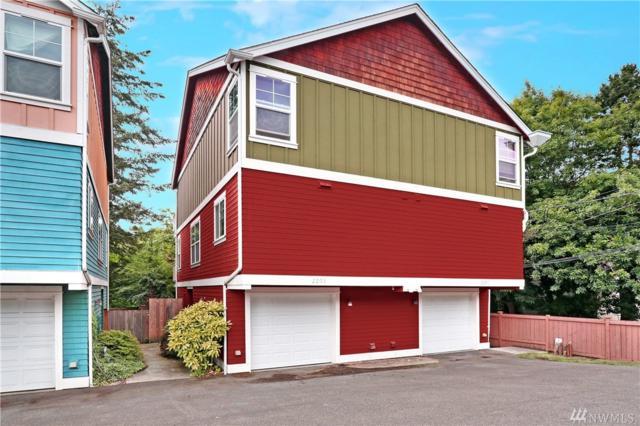 2203 NE 92nd St, Seattle, WA 98115 (#1318329) :: The DiBello Real Estate Group