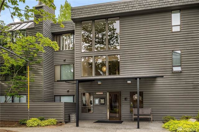 6300 Sand Point Wy NE #212, Seattle, WA 98115 (#1506373) :: Liv Real Estate Group