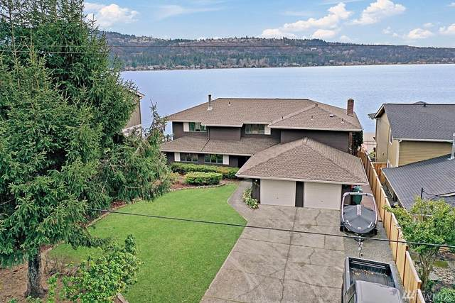 3515 E Lake Sammamish Shore Lane SE, Sammamish, WA 98075 (#1544959) :: Chris Cross Real Estate Group