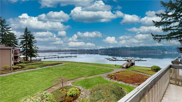 17422 NE 40th Place B5, Redmond, WA 98052 (#1546442) :: The Kendra Todd Group at Keller Williams