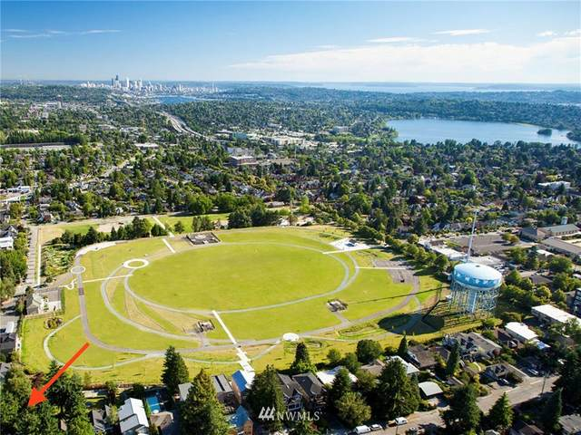 1235 NE 88th Street A, Seattle, WA 98115 (#1666076) :: Ben Kinney Real Estate Team