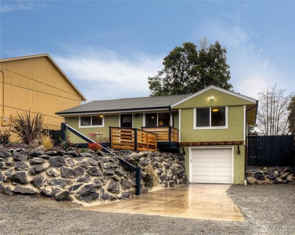 9438 6th Ave SW, Seattle, WA 98106 (#1392684) :: TRI STAR Team | RE/MAX NW