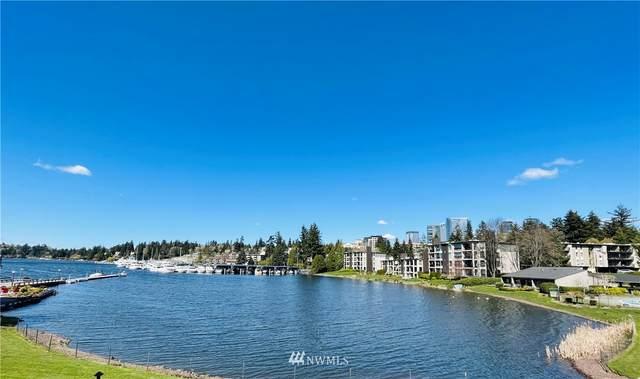 403 101st Avenue SE, Bellevue, WA 98004 (#1739684) :: Urban Seattle Broker