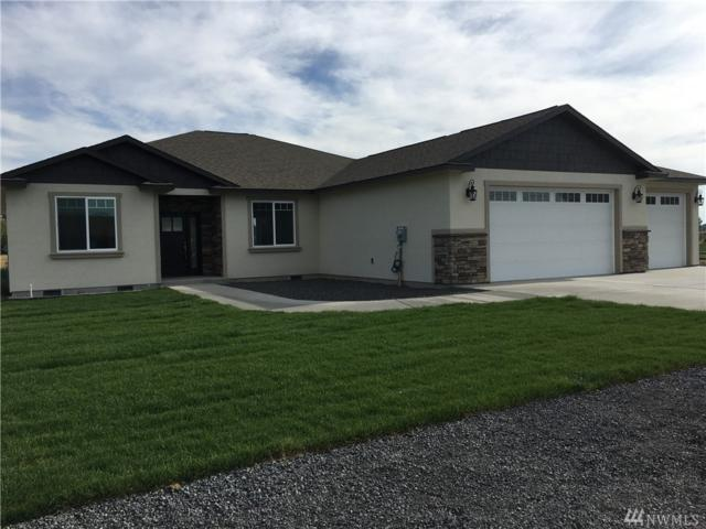 7931 Grove Rd NE, Moses Lake, WA 98837 (#1241021) :: Real Estate Solutions Group