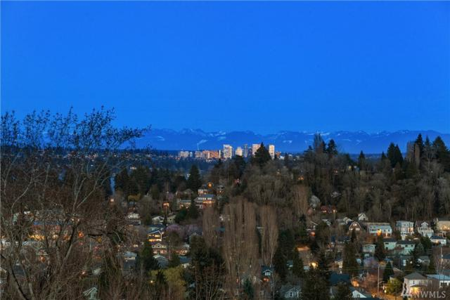 325 25th Ave E, Seattle, WA 98112 (#1447212) :: The Kendra Todd Group at Keller Williams