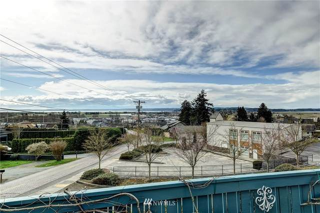 8200 Henning Drive NW, Stanwood, WA 98292 (#1736023) :: M4 Real Estate Group