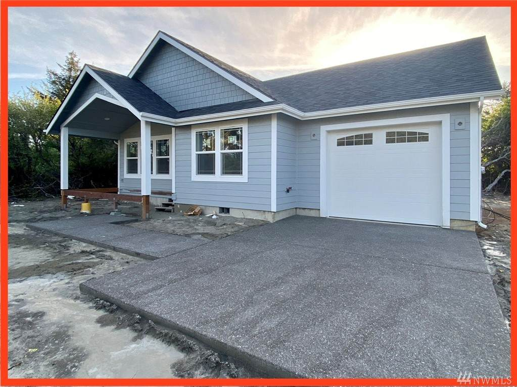 410 Ensign Ave - Photo 1