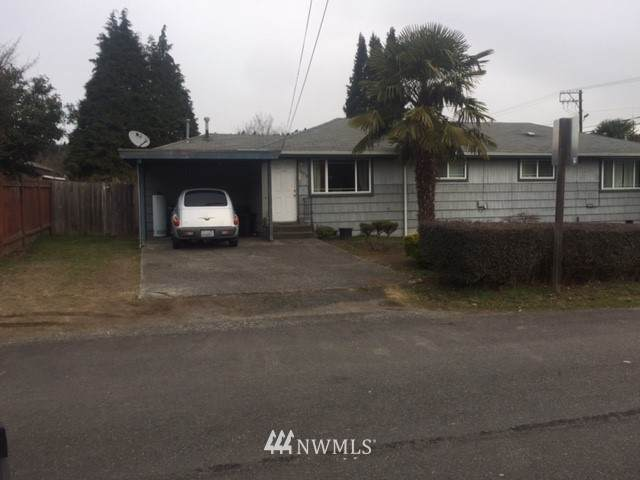 10915 To 10917 58th Street Ct E, Puyallup, WA 98372 (#1074166) :: Hauer Home Team