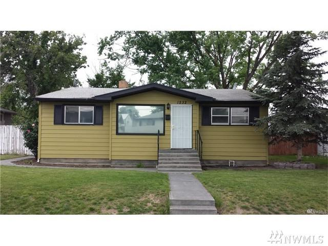 1232 S Skyline Dr, Moses Lake, WA 98837 (#1079570) :: Ben Kinney Real Estate Team