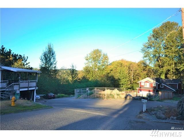137-xxx 46th Ave S, Tukwila, WA 98168 (#1105658) :: Ben Kinney Real Estate Team