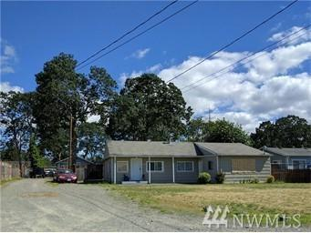 15211 Fern St SW, Lakewood, WA 98498 (#1105924) :: Ben Kinney Real Estate Team