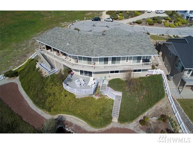 127 Whitfield Ct, Chelan, WA 98816 (#1109742) :: Ben Kinney Real Estate Team