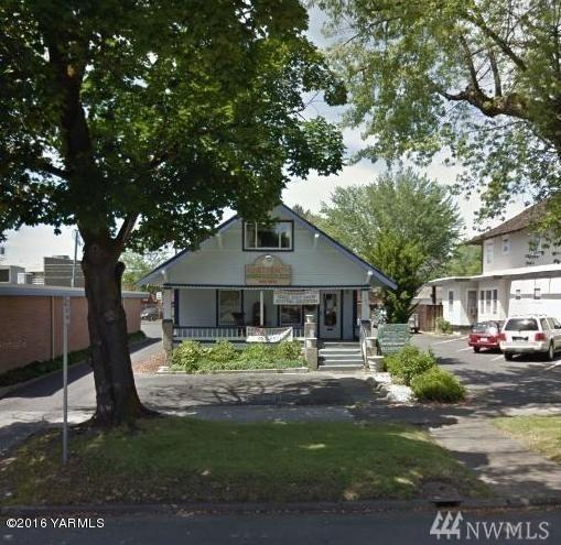 118 S 11th Ave, Yakima, WA 98902 (#1109973) :: Ben Kinney Real Estate Team