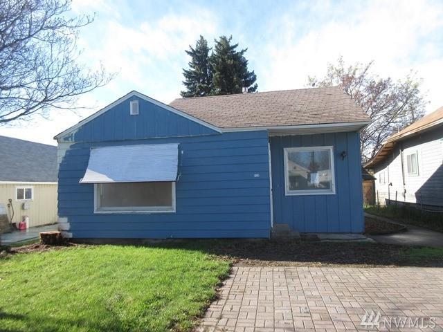 122 E Fremont Ave, Selah, WA 98942 (#1112935) :: Ben Kinney Real Estate Team