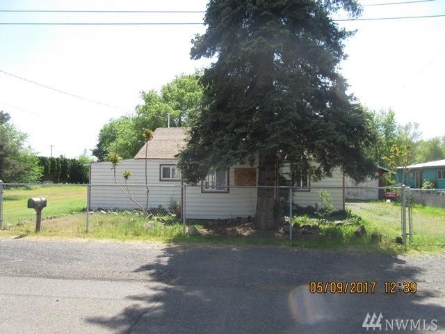 2404 Fairbanks Ave, Yakima, WA 98902 (#1121835) :: Ben Kinney Real Estate Team