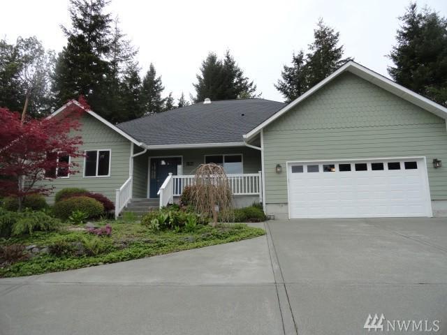 130-E Soderberg Rd, Allyn, WA 98524 (#1125146) :: Ben Kinney Real Estate Team