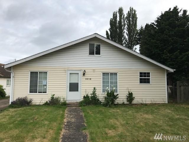 3216 Washington Wy, Longview, WA 98632 (#1133028) :: Ben Kinney Real Estate Team