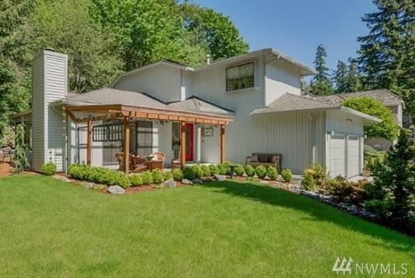 13248 SE 54th Place, Bellevue, WA 98006 (#1135104) :: Ben Kinney Real Estate Team