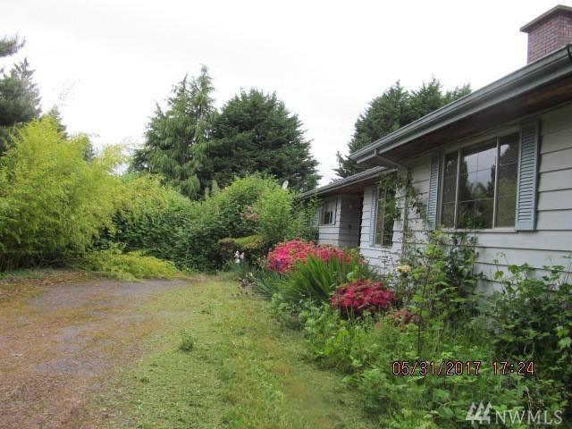 15019 16th Ave SW, Burien, WA 98166 (#1136087) :: Ben Kinney Real Estate Team
