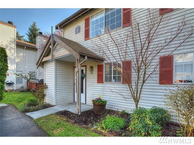15600 116th Ave NE F1, Bothell, WA 98011 (#1137053) :: Ben Kinney Real Estate Team