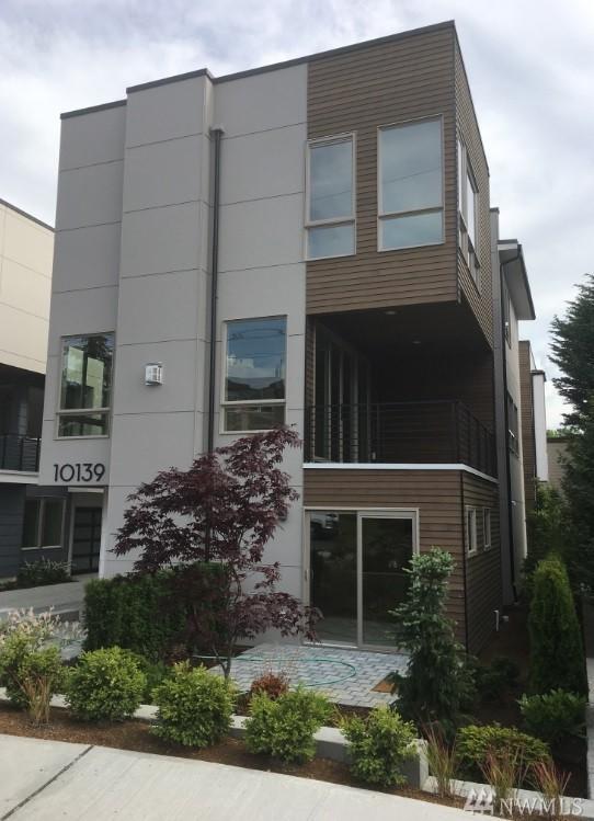 10139 NE 63rd St, Kirkland, WA 98033 (#1140107) :: Ben Kinney Real Estate Team