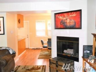 10918 62nd St E, Puyallup, WA 98372 (#1141236) :: Ben Kinney Real Estate Team