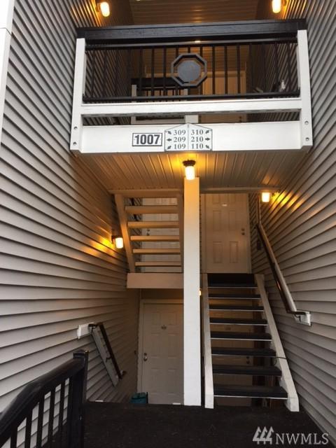 1007 NE 156th Ave NE B109, Bellevue, WA 98007 (#1142256) :: Ben Kinney Real Estate Team