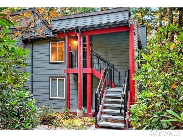 14510 NE 30th Place 32C, Bellevue, WA 98007 (#1144913) :: Ben Kinney Real Estate Team