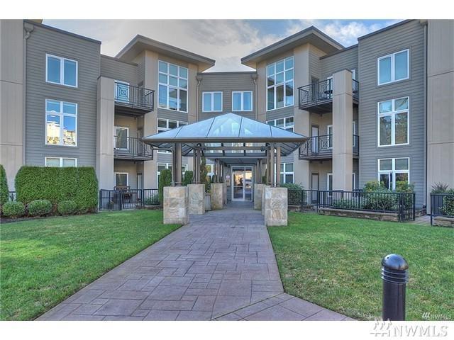 150 102nd Ave SE #201, Bellevue, WA 98004 (#1147094) :: Ben Kinney Real Estate Team