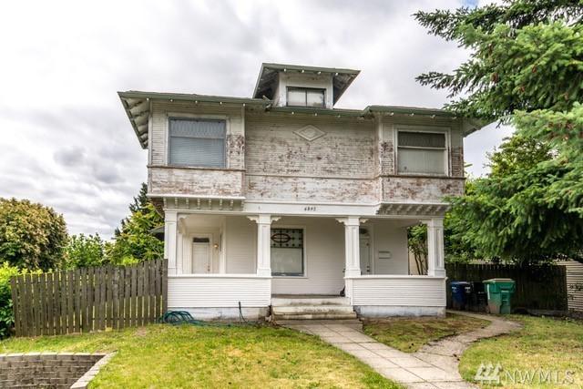 4245 S Graham, Seattle, WA 98118 (#1147562) :: Ben Kinney Real Estate Team