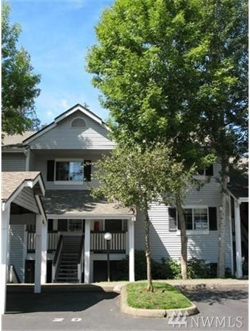 23333 Cedar Wy C204, Mountlake Terrace, WA 98043 (#1149291) :: Ben Kinney Real Estate Team